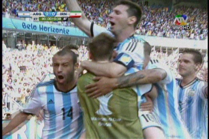 [VIDEO] Argentina gana sufriendo 1-0 a Irán con gol de último minuto