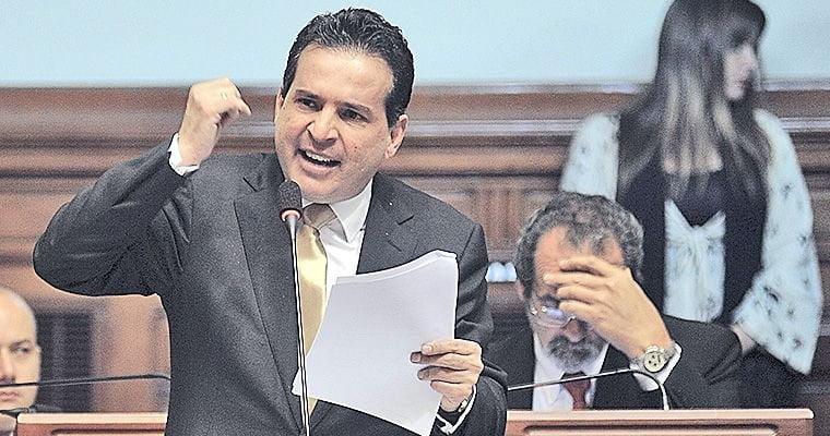 """Omar Chehade: """"Humala no puede ser juzgado y menos citado por una comisión"""""""