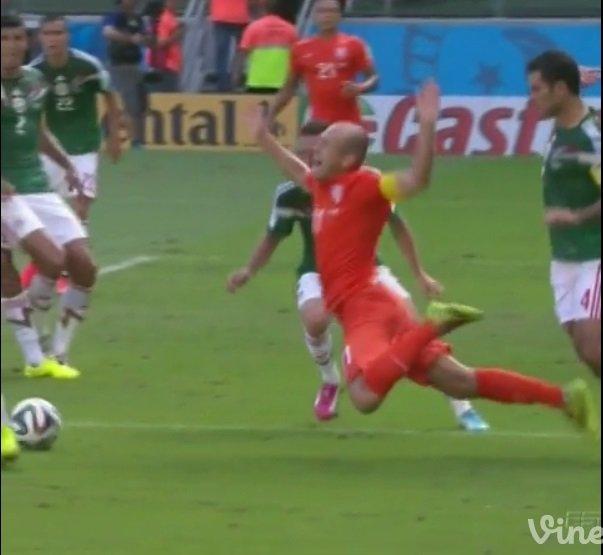 [VIDEO ATV / Tu Teve] Robben confesó que no fue penal revela Rafa Márquez tras derrota