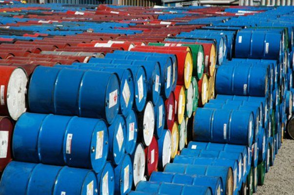 El subsector de petróleo crudo y gas natural presentó déficit en sus exportaciones.