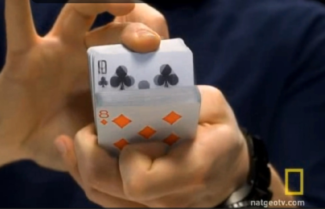 [VIDEO] Mira como este ilusionista engaña a tu mente por el computador
