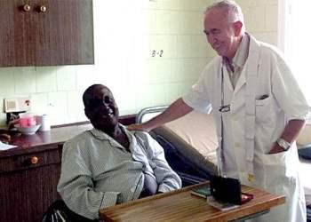 Muere de ébola sacerdote español Miguel Pajares y cadáver será incinerado sin autopsia