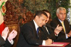 Ollanta Humala derogó ley que obligaba a independientes aportar a las AFP
