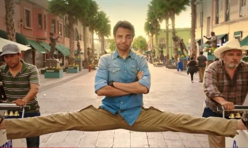 [VIDEO] Mira a Eugenio Derbez parodiando a Van Damme con 'split' épico