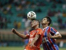 Vallejo no pudo sostener el cero en su arco ante Bahía en Brasil.