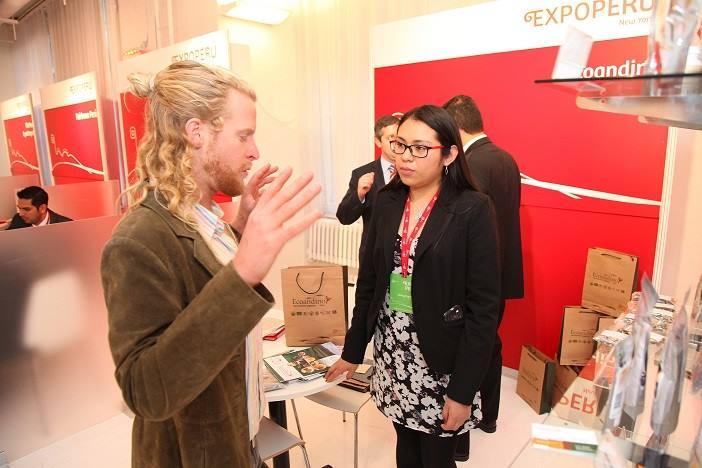 Compradores estadounidenses y canadienses apreciaron productos peruanos de los rubros confecciones y alimentos.