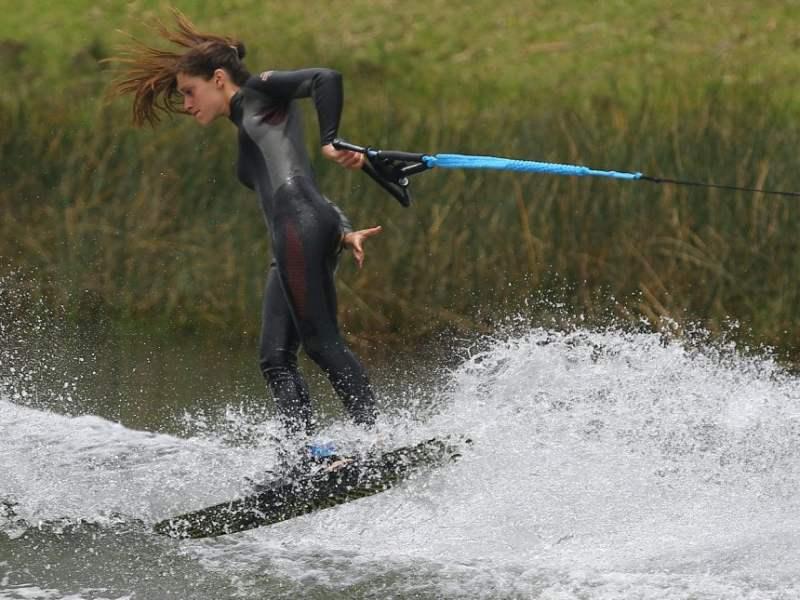 Natalia Cuglievan (y su hermana Maria Delfina) brillaron en esquí acuático.