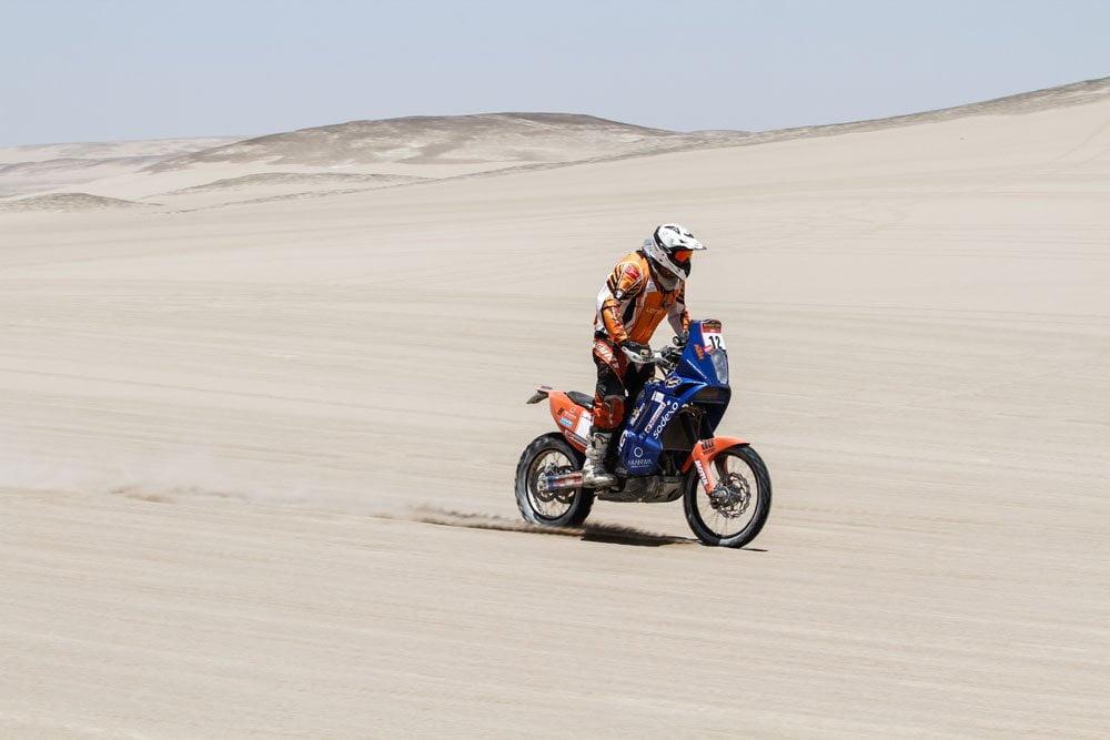 En motos, Carlo Vellutino es el único exponente en carrera dentro del Dakar 2015.