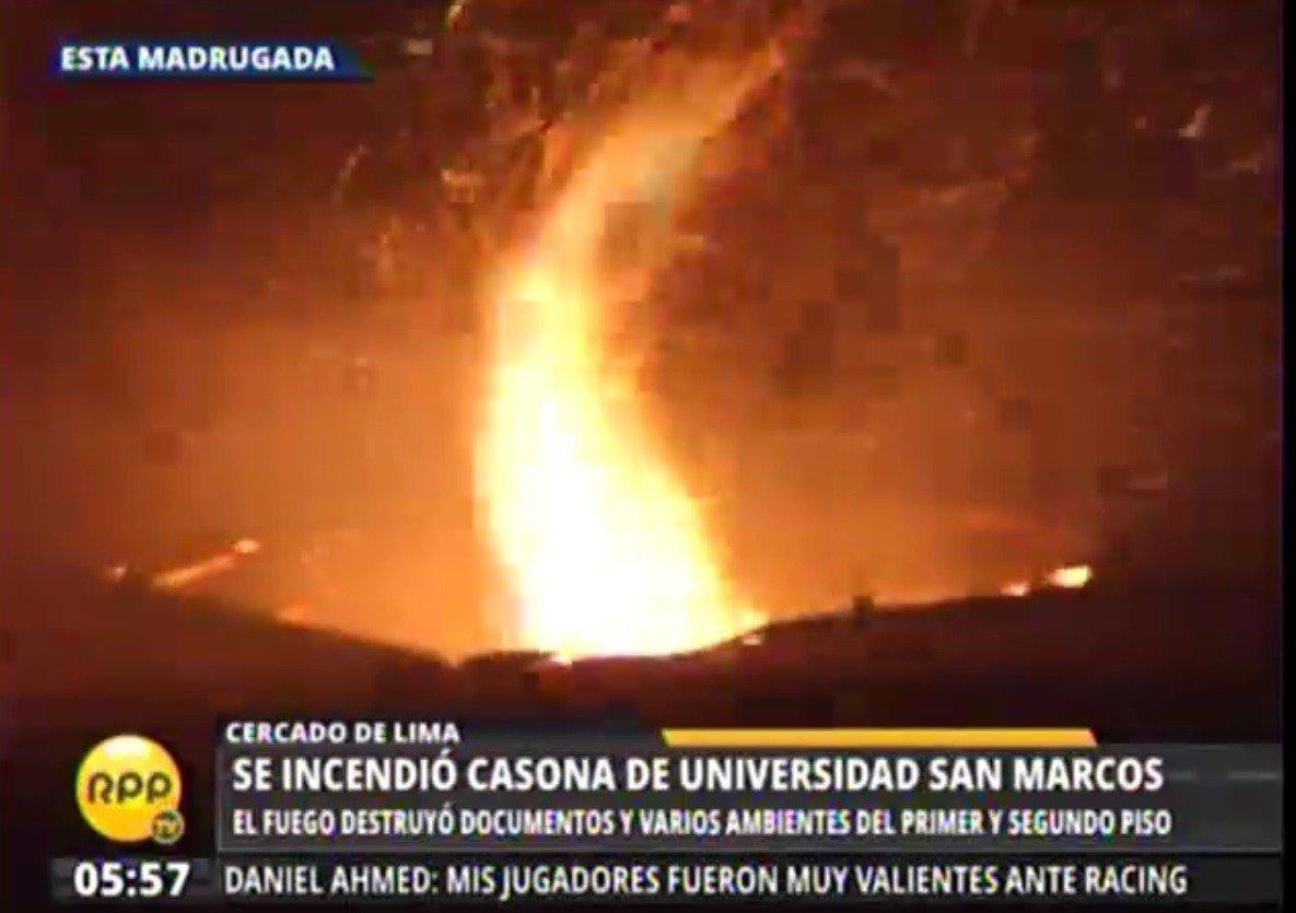 Incendio destruye casona de universidad de San Marcos en Lima