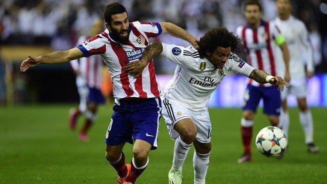 Los últimos finalistas de la Champions igualaron sin goles y el pase a semifinales de la presente edición se definirá en el Santiago Bernabéu.