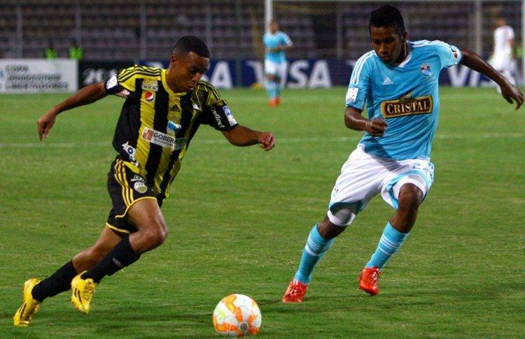Cristal no jugó bien ante Táchira y ahora buscará su clasificación a la siguente fase frente a Guaraní de Paraguay.