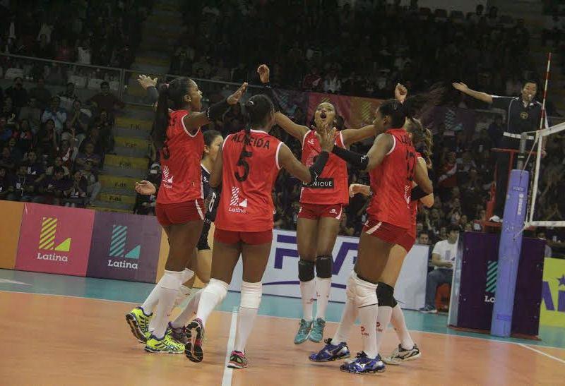 Perú se impuso con autoridad a Brasil por la Copa Latina.