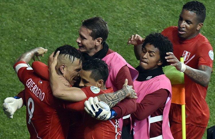 Paolo Guerrero va camino a convertirse en el máximo goleador histórico de la selección peruana de fútbol.