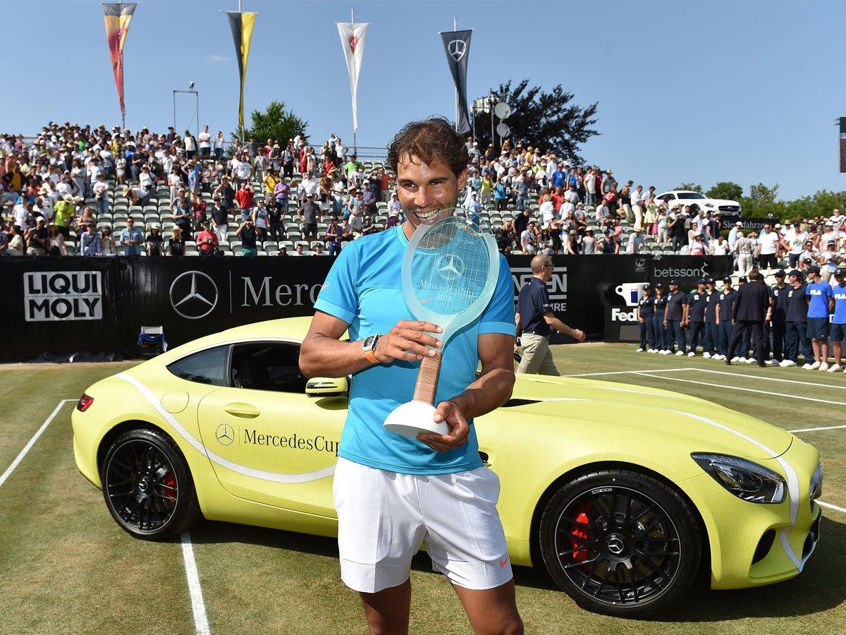 Nadal celebro un título en hierba luego de cinco años.
