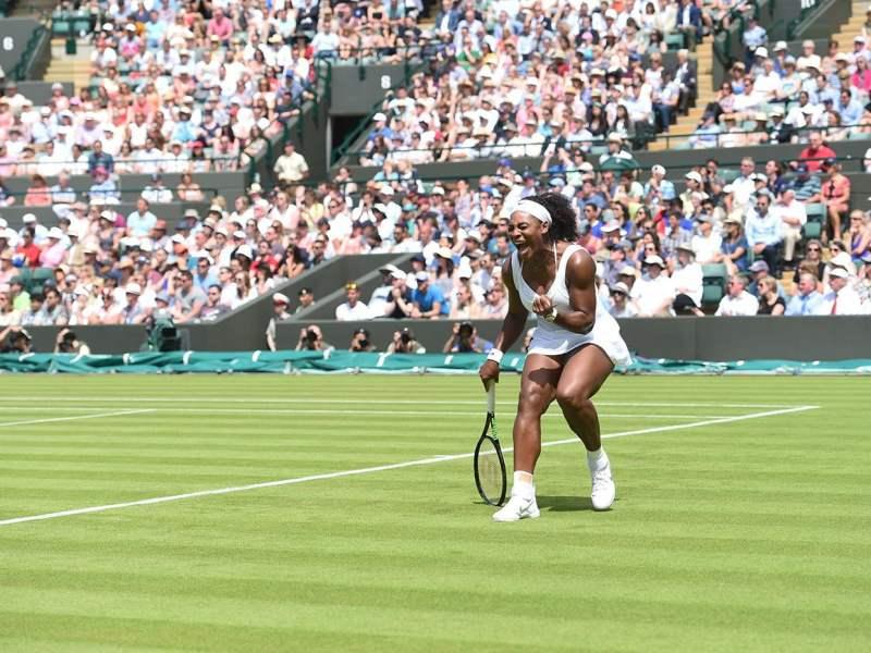 Serena Williams ganó en el inicio del Grand Slam londinense.