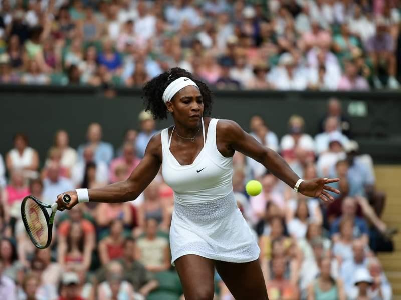 Serena Williams dominó a la húngara Babos.
