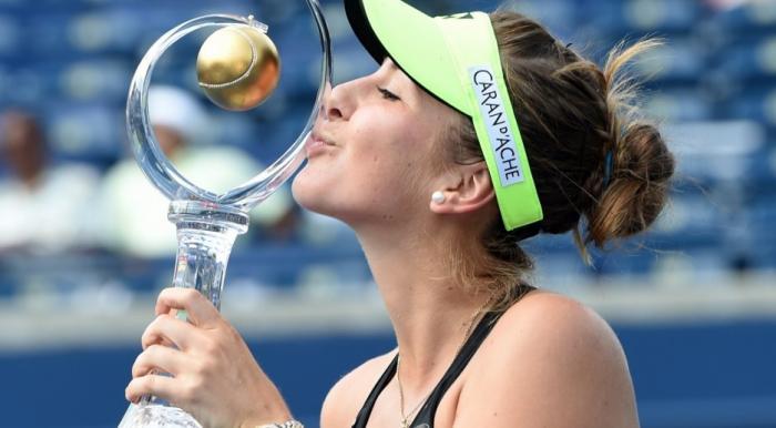 La suiza Belinda Bencic sorprendió en Toronto al lograr el título.