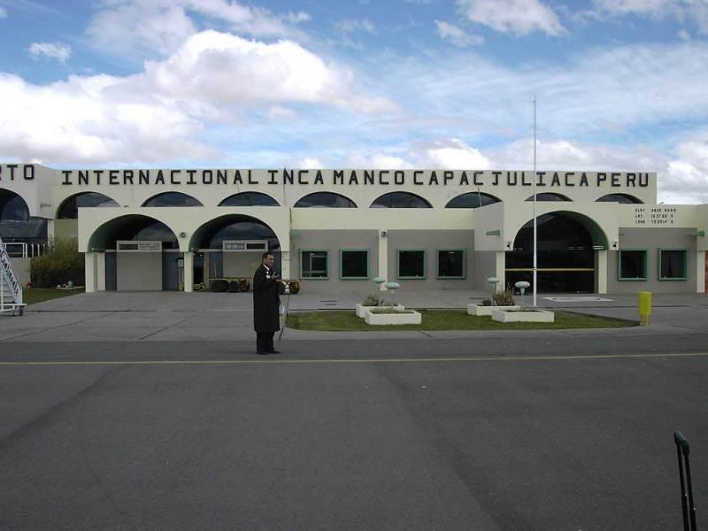Toma de aeropuerto de Juliaca en Puno