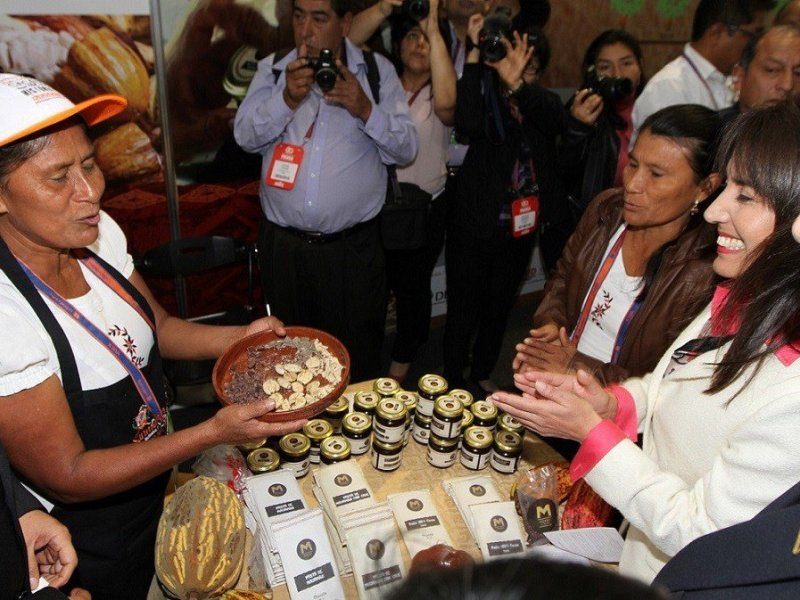 La ministra Magali Silva destacó también el trabajo de las diversas Asociaciones de Productores.