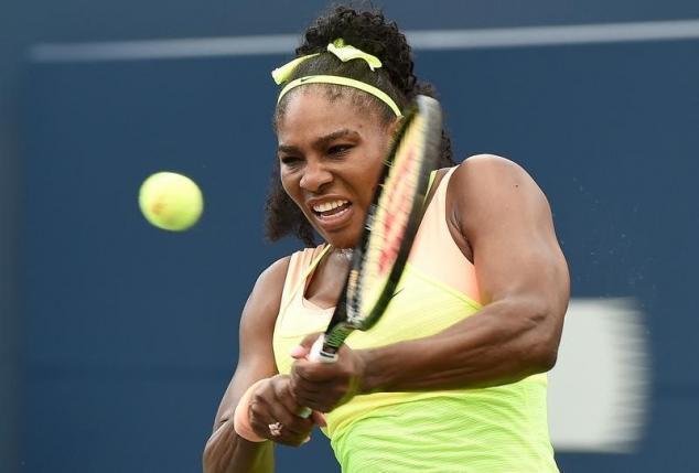 Serena Williams fue sólida en su segunda presentación del Masters 1000 canadiense.