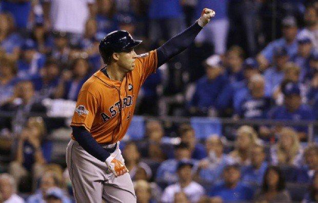 Los Astros superaron a los Royals en su primer compromiso de la Serie Divisional.