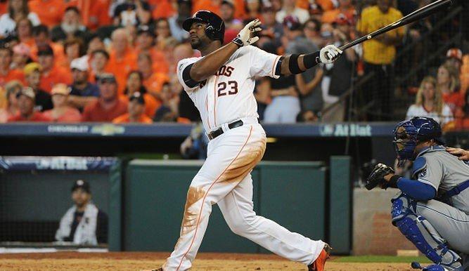 Carter le puso el jonrón a la victoria de los Astros sobre Reales.