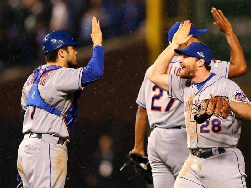 Murphy apareció nuevamente para celebrar el título de la Liga Nacional de los Mets,