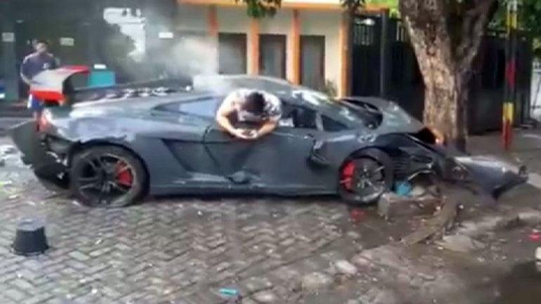 Millonario vio su celular tras atropellar y matar personas con Lamborghini