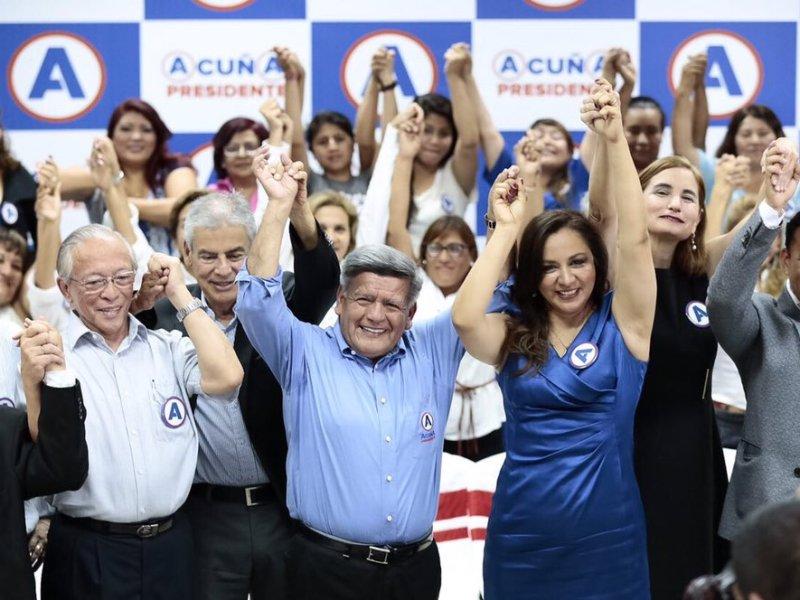 César Acuña y Marisol Espinoza