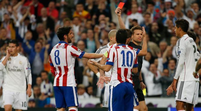 La FIFA sancionó a los clubes Real Madrid y Atlético de Madrid.