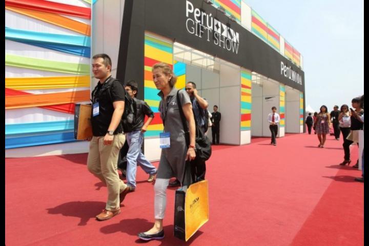 Los compradores internacionales tendrán nuevamente la ocasión de observar en el mes de abril la calidad de los productos nacionales de moda y decoración.