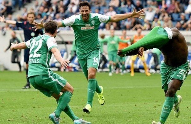 Claudio Pizarro sigue bateando records en la Bundesliga.