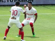"""Ruidíaz le dio el clásico a la """"U"""" sobre Alianza Lima."""