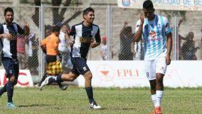"""Larrauri anotó el gol que permitió al Alianza Lima acercarse a la """"U"""" en la tabla general."""
