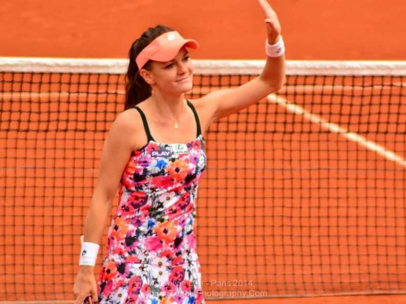 La polaca Radwanska debutó con un triunfo fácil en París.