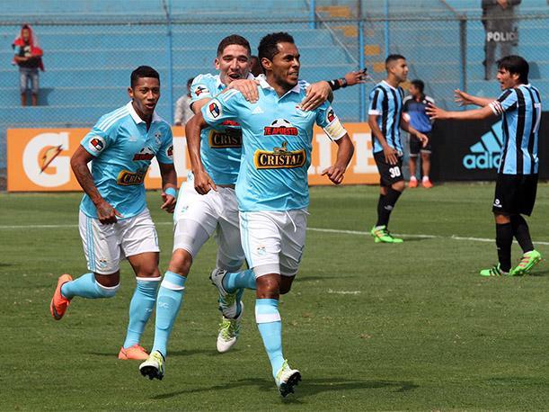 Sporting Cristal ganó al Garcilaso y quedó dentro de la zona de semifinalistas por el título nacional.