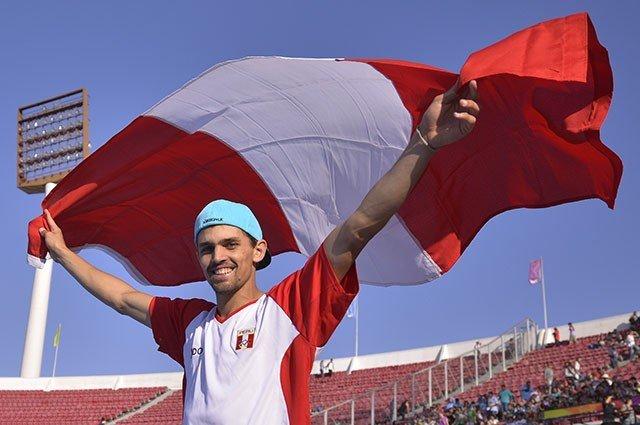 Arturo Chávez estableció el nuevo record nacional de Salto alto.