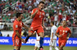 El chileno Eduardo Vargas marcó un poker a México y con ello lidera la tabla de goleadores de la Copa América Centenario.