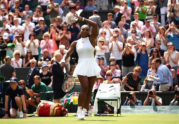 Williams  debutó con autoridad en Wimbledon.