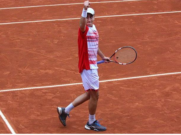 El joven Nicolás Alvarez sorprendió en su debut de Copa Davis.