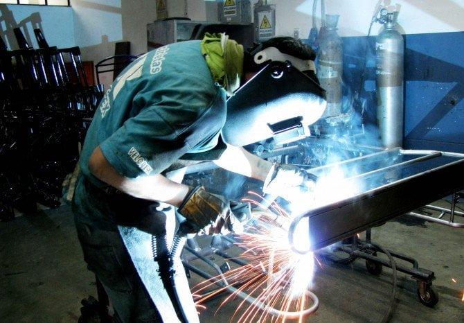 Sector exportador permitió crear más puestos de trabajo gracias a su leve recuperación.