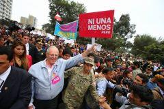 #NiUnaMenos y PPK (Foto Andina)