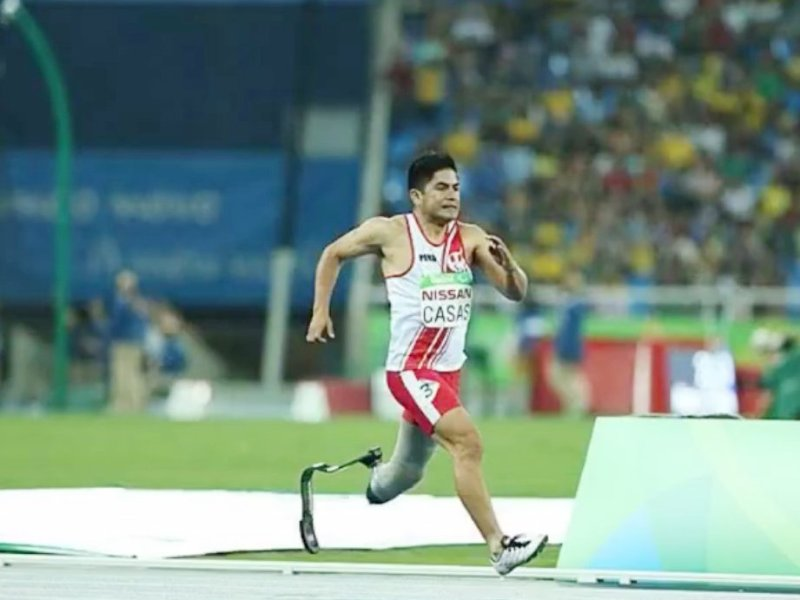 Casas fue descalificado en los 400 metros y quedó sin opciones de intentar la medalla.