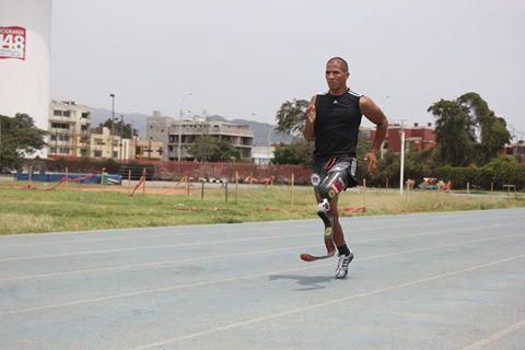 Carlos Felipa no tuvo una buena participación en los 100 metros planos.