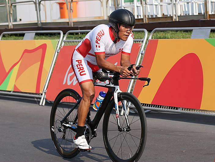 El paraciclista Hilario no pudo subirse al podio en el la   Ruta Individual.