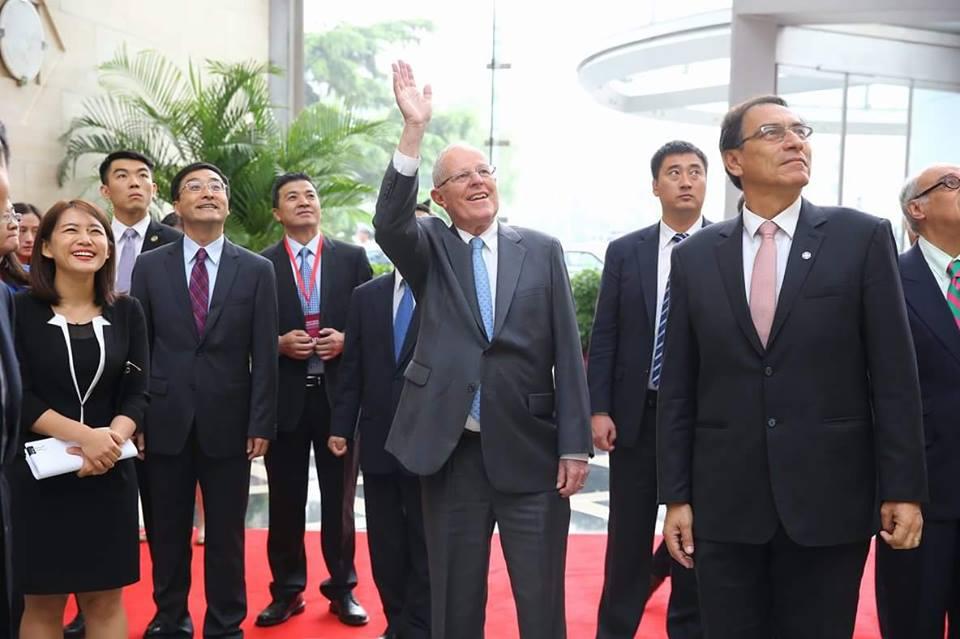 El presidente se presentó ante empresarios chinos transnacionales.