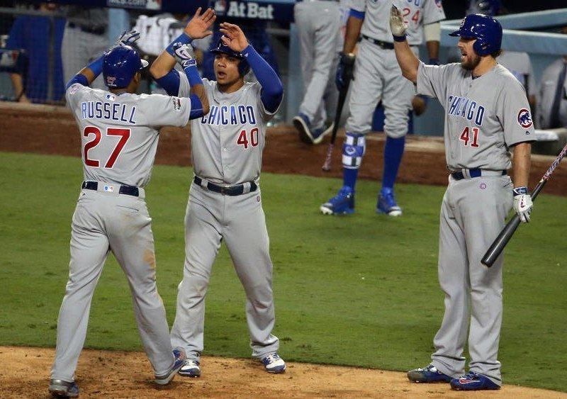 Los Cachorros celebraron triunfo con 10 carreras sobre los Dodgers.