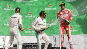 Hamilton ganó en México y aún sueña con el tricampeonato.