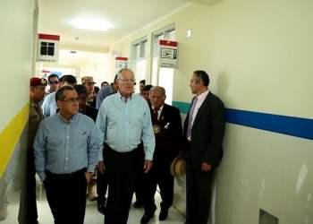 El presidente Kuczynski inspeccionó Centro de Salud en Moquegua.
