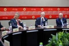 El presidente Kuczynski debatió diversos temas con los 20 líderes del APEC.